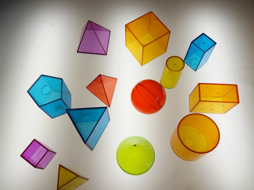 solidos geometricos Learning Resources